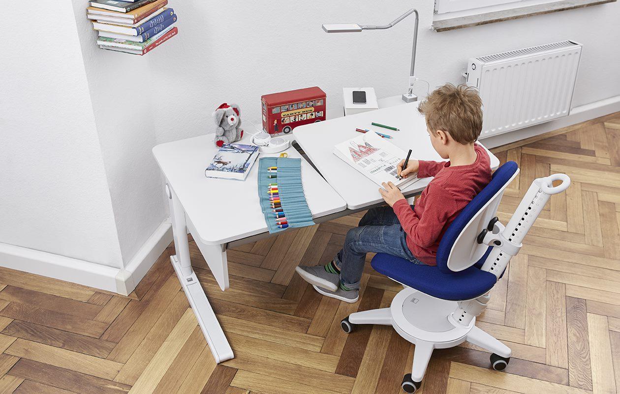 Ngồi trên ghế xoay giúp trẻ tăng động giảm chú ý tập trung, chú ý tốt hơn